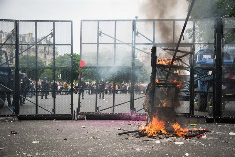 Turkije reageert op Franse chaos en politiegeweld in Frankrijk (3)
