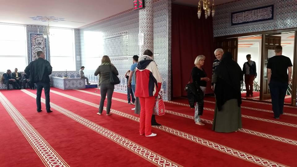 Veel contact met moslims tijdens feestelijke open dagen moskeeën (13)