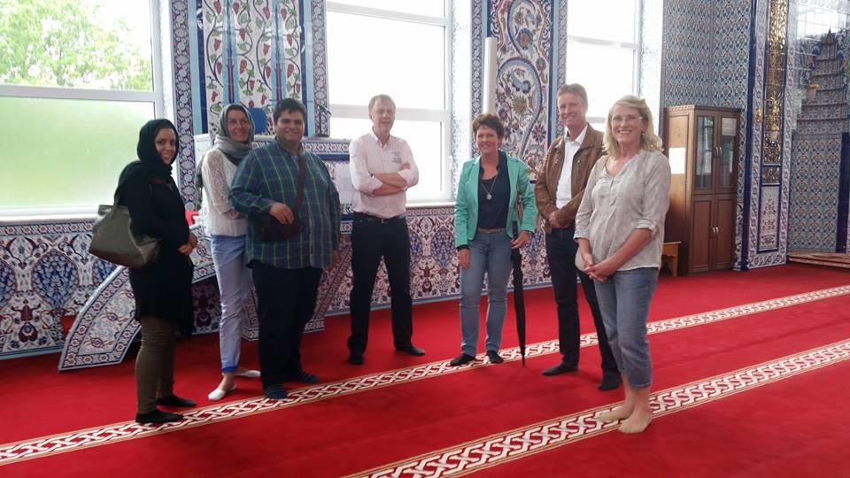 Veel contact met moslims tijdens feestelijke open dagen moskeeën (16)
