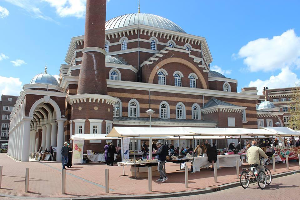 Veel contact met moslims tijdens feestelijke open dagen moskeeën (20)