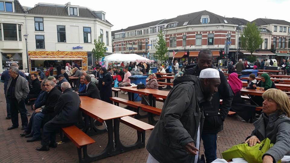 Veel contact met moslims tijdens feestelijke open dagen moskeeën (4)