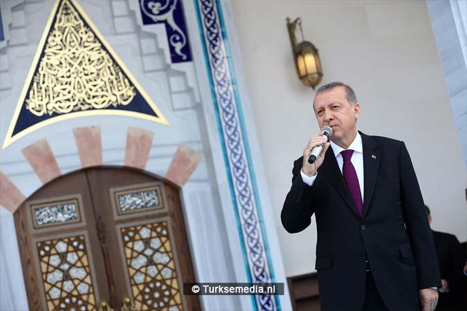 Erdoğan opent moskee bij vliegveld van Ankara (6)
