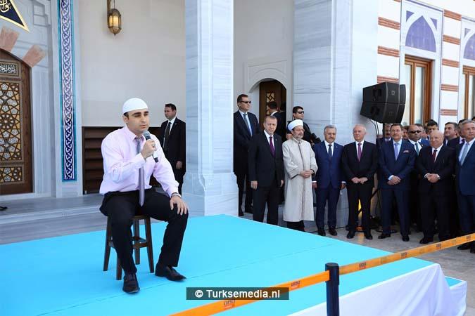 Erdoğan opent moskee bij vliegveld van Ankara (9)