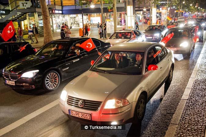 Turken vieren feest na EK-zege op Tsjechië (3)