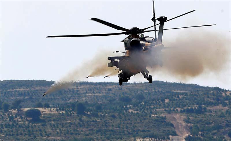 Turkije toont nieuw wapenarsenaal (10)