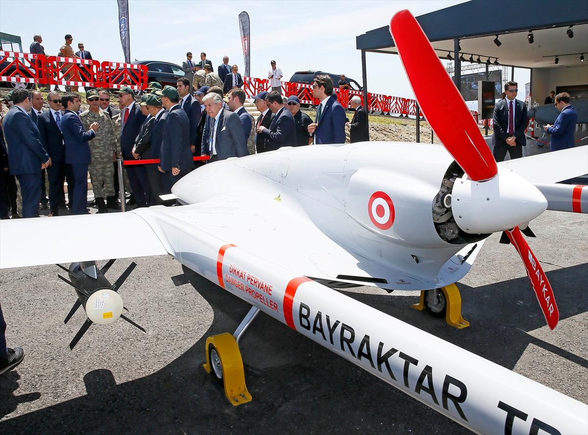 Turkije toont nieuw wapenarsenaal (11)