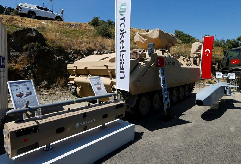 Turkije toont nieuw wapenarsenaal (4)