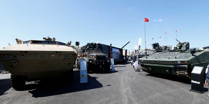 Turkije toont nieuw wapenarsenaal (6)