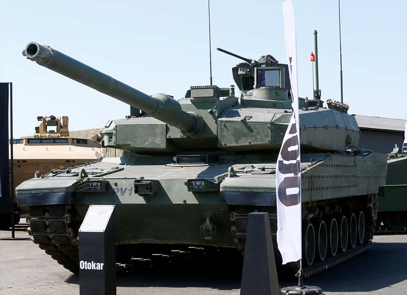 Turkije toont nieuw wapenarsenaal (7)