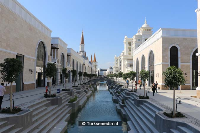 Turks Disneyland bijna af (2)