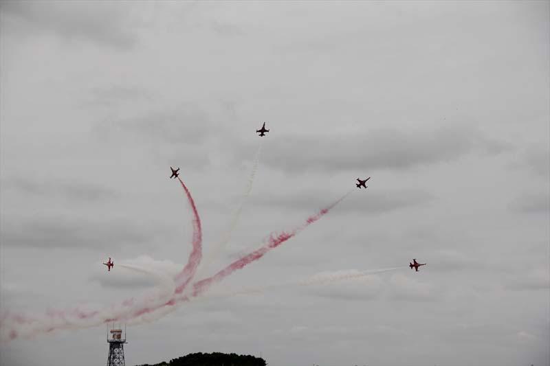 Veel belangstelling voor show Turkse piloten in Nederland (3)