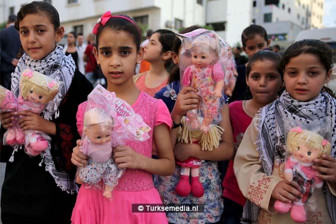 Feest in Gaza Turkse hulp gearriveerd (3)