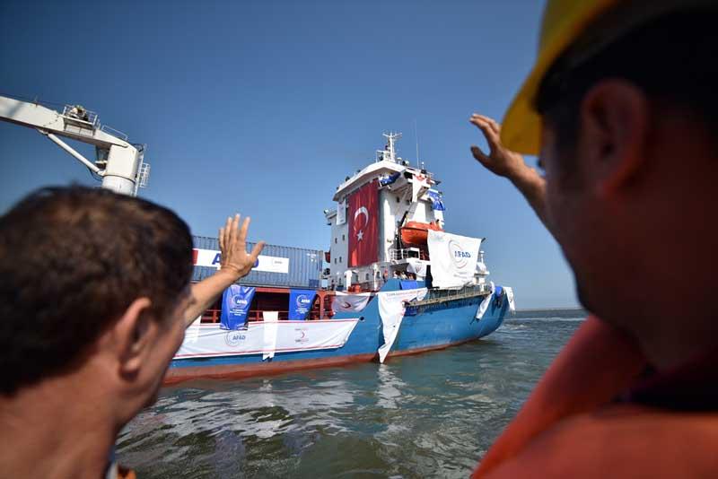 Turkije stuurt 11 ton hulpgoederen en cadeaus naar Gaza (2)