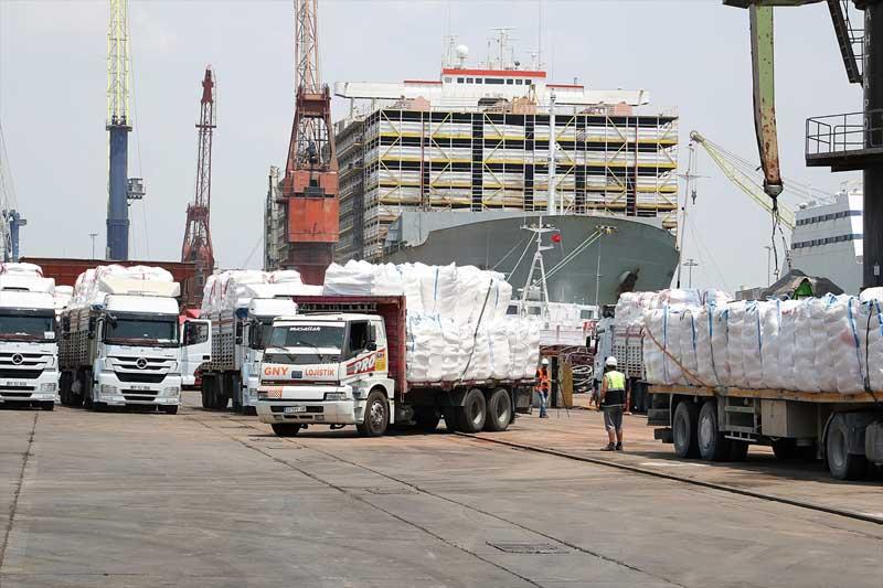 Turkije stuurt 11 ton hulpgoederen en cadeaus naar Gaza (4)