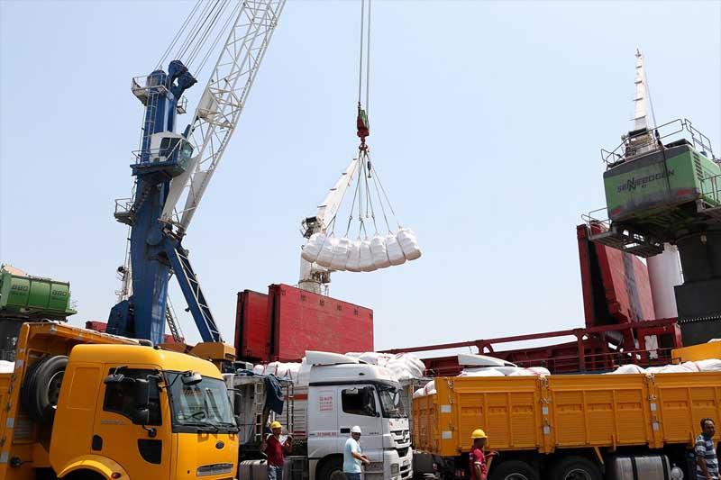 Turkije stuurt 11 ton hulpgoederen en cadeaus naar Gaza (5)