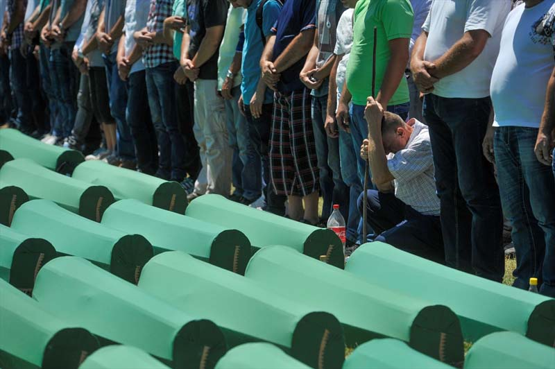 Veel verdriet tijdens herdenking genocide op moslims Srebrenica (4)