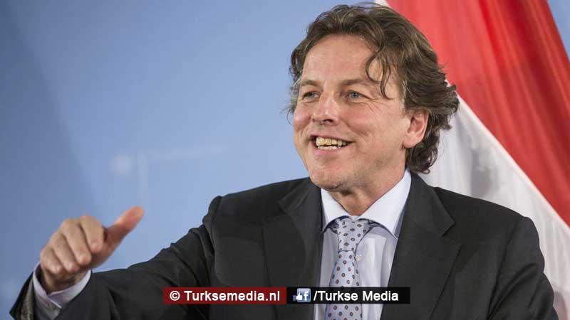 Koenders naar Turkije voor Nederlandse bemoeienis