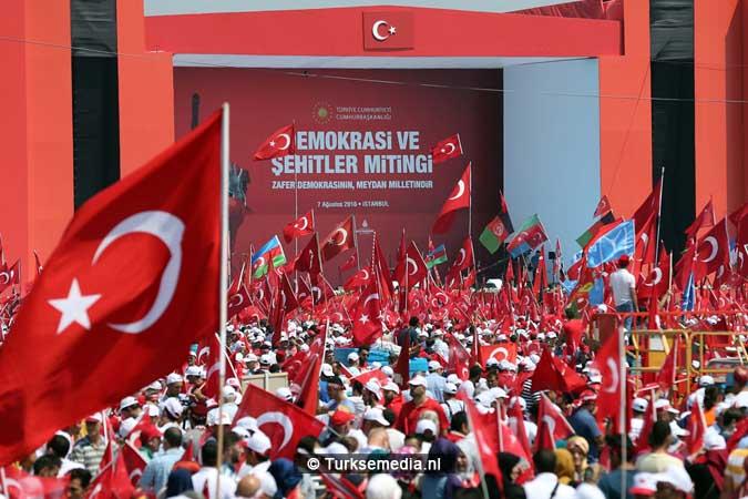 Miljoenen Turken bijeen tijdens historische meeting (10)