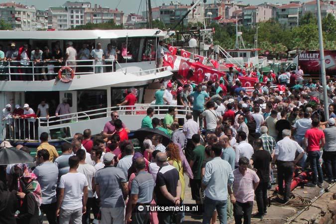 Miljoenen Turken bijeen tijdens historische meeting (14)