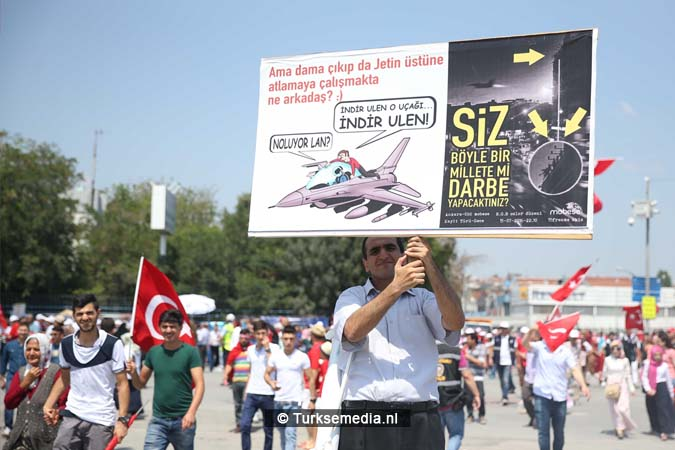 Miljoenen Turken bijeen tijdens historische meeting (17)