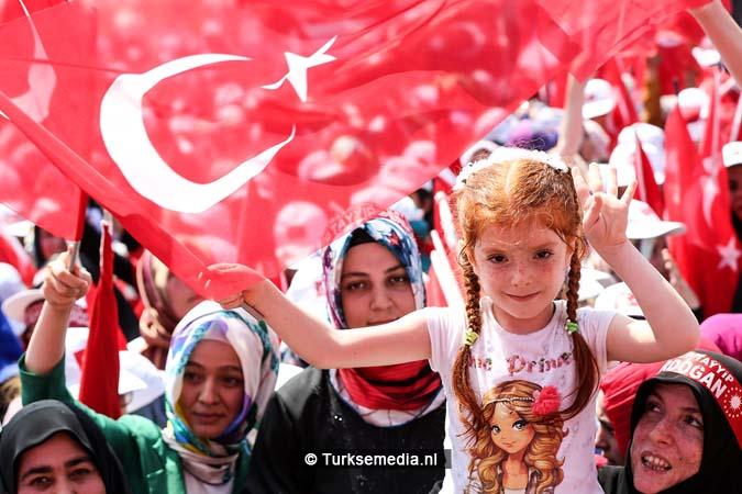 Miljoenen Turken bijeen tijdens historische meeting (18)