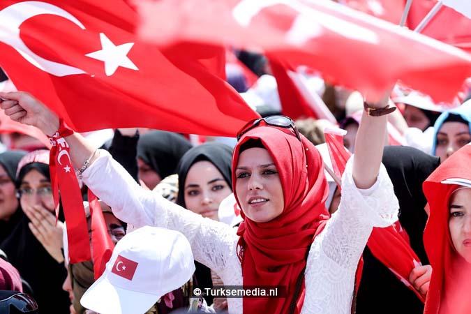 Miljoenen Turken bijeen tijdens historische meeting (19)