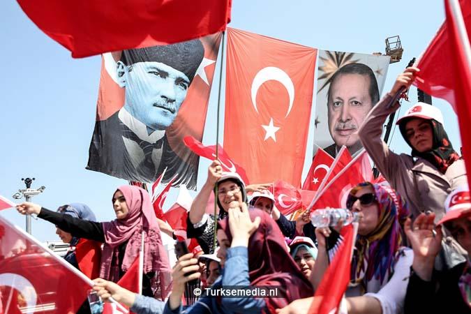 Miljoenen Turken bijeen tijdens historische meeting (21)