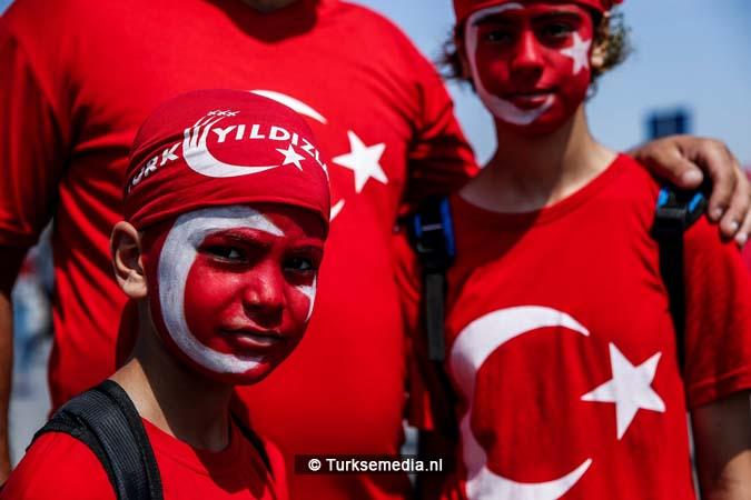 Miljoenen Turken bijeen tijdens historische meeting (22)