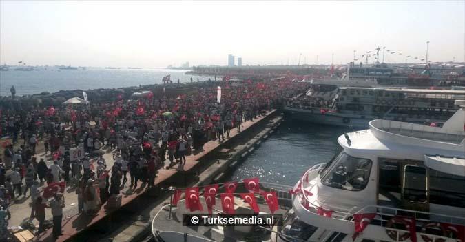 Miljoenen Turken bijeen tijdens historische meeting (23)