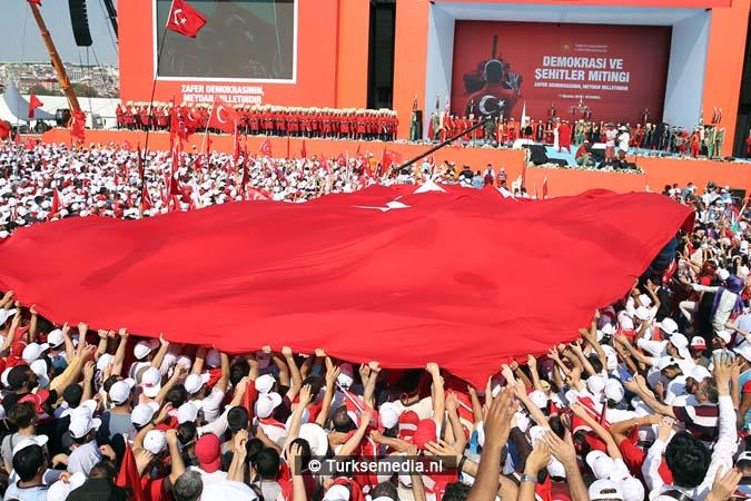 Miljoenen Turken bijeen tijdens historische meeting (24)