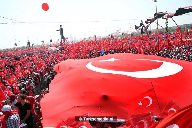 Miljoenen Turken bijeen tijdens historische meeting (25)