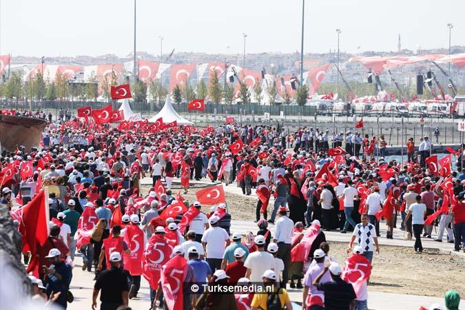 Miljoenen Turken bijeen tijdens historische meeting (26)