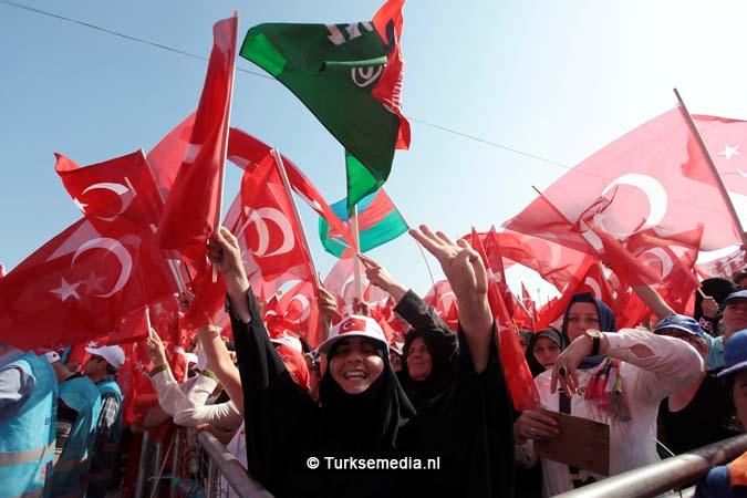 Miljoenen Turken bijeen tijdens historische meeting (3)