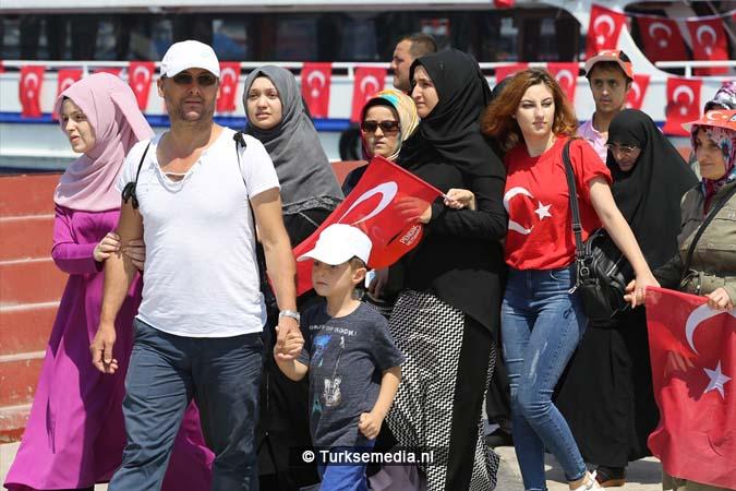 Miljoenen Turken bijeen tijdens historische meeting (36)