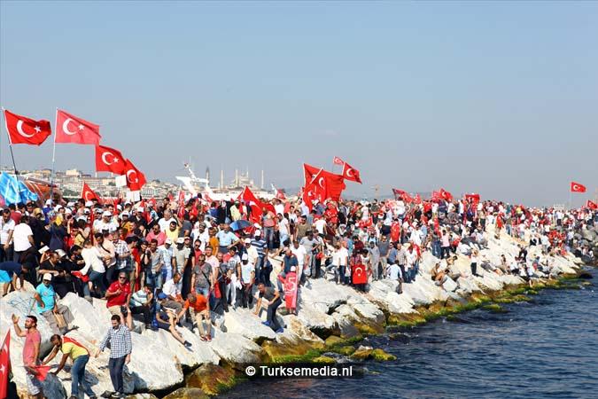 Miljoenen Turken bijeen tijdens historische meeting (4)