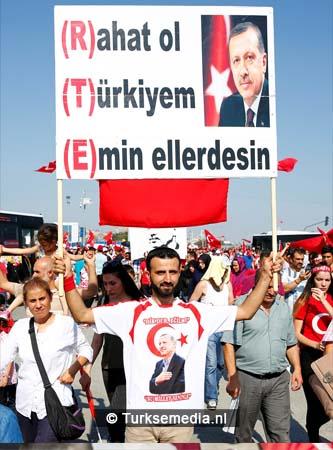 Miljoenen Turken bijeen tijdens historische meeting (5)