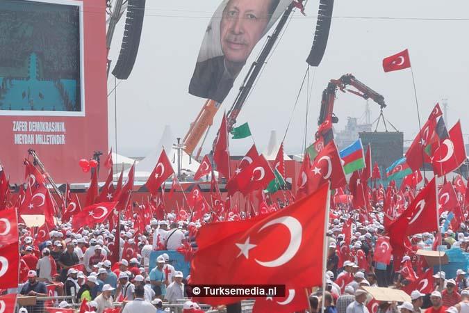 Miljoenen Turken bijeen tijdens historische meeting (7)