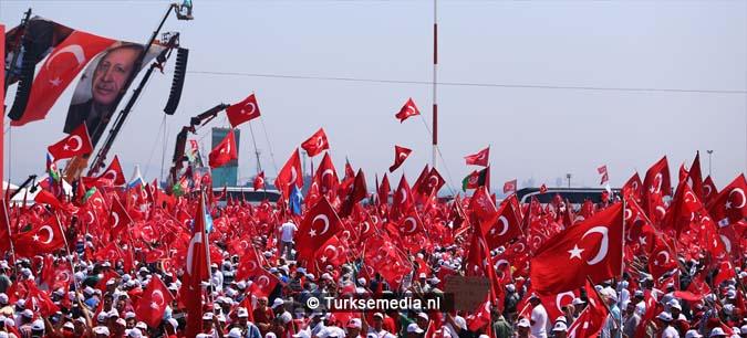 Miljoenen Turken bijeen tijdens historische meeting (8)