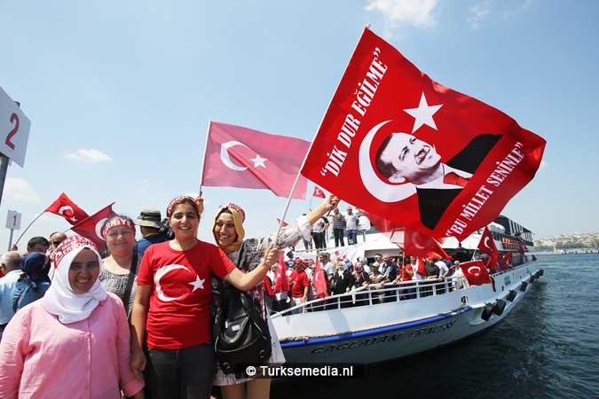 Miljoenen Turken bijeen tijdens historische meeting (9)