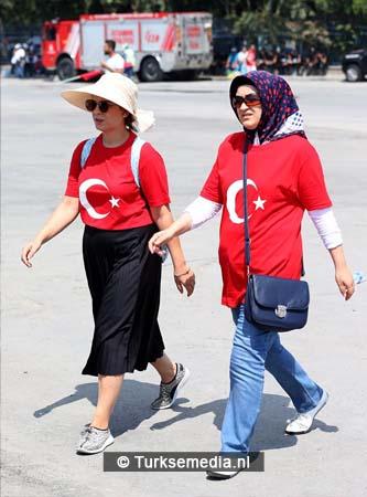 Miljoenen Turken bijeen tijdens historische meeting