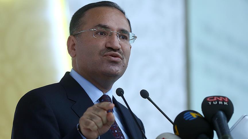 Minister 'Turkije steunt IS' leugenverspreiders zijn vijanden