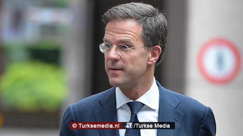 Rutte belt Erdoğan en vraagt om hulp
