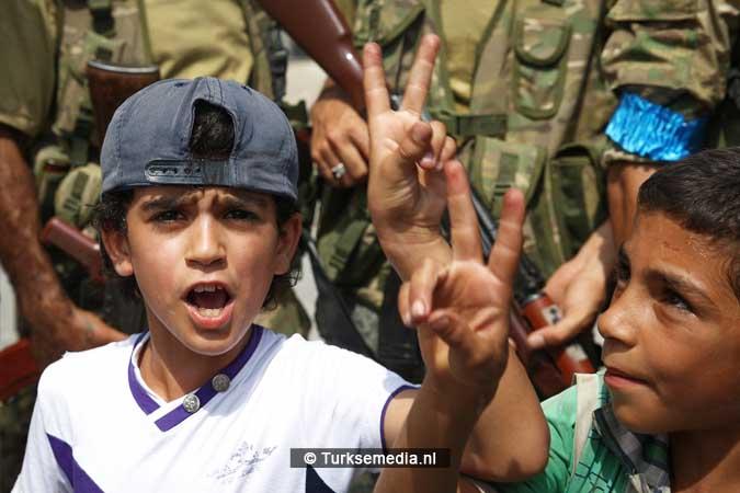 Syrische kinderen vieren vrijheid na Turkse redding Jarablus (3)