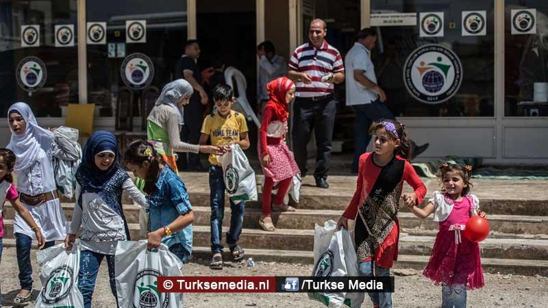 Turkije maakt Syrische weeskinderen dolgelukkig (fotogalerij) (4)