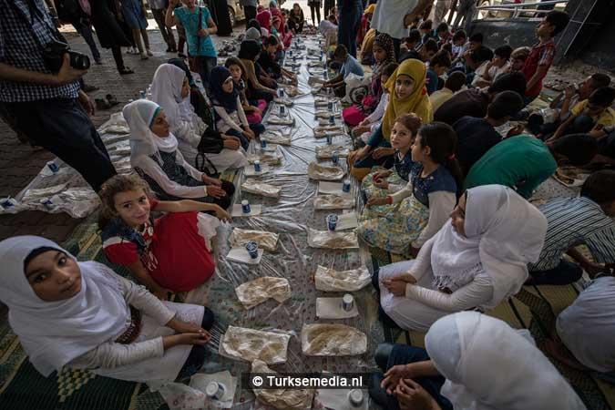 Turkije maakt Syrische weeskinderen dolgelukkig (fotogalerij) (5)