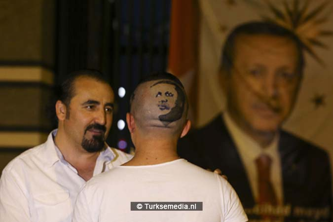 Turkse kapper en eigenaar wereldrecord laat Erdoğan in haar knippen (2)