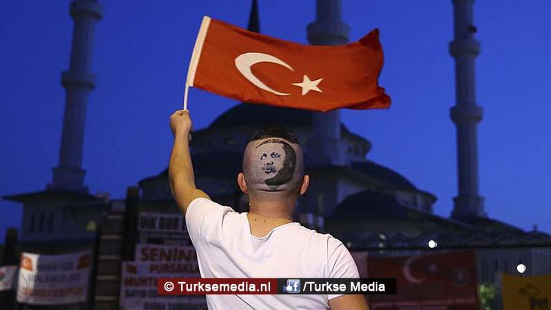 Turkse kapper en eigenaar wereldrecord laat Erdoğan in haar knippen