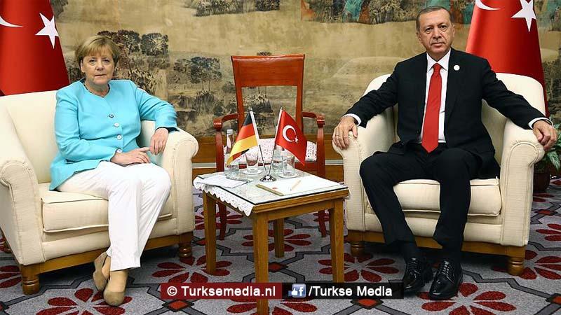 Duitse krant maakt korte metten met Merkel wegens Erdoğan