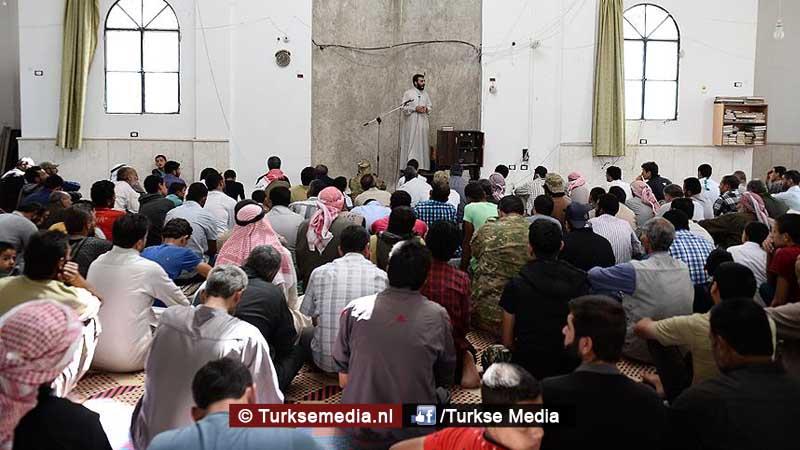 syriers-naar-moskeeen-in-jarablus-dankzij-turkije