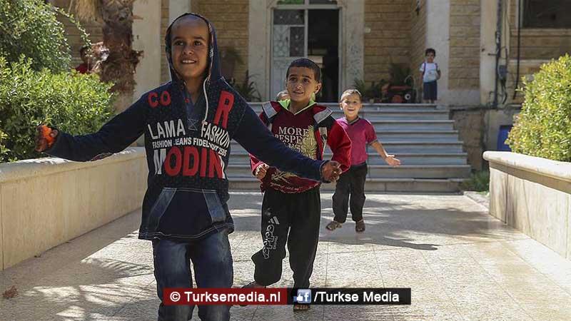 syrische-kinderen-in-jarablus-dankzij-turkije-naar-school